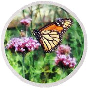 Monarch Butterfly On Pink Lantana Round Beach Towel