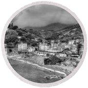 Monterosso Al Mare - Cinque Terre In Grey Round Beach Towel
