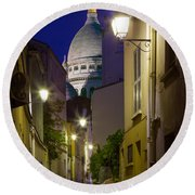 Montmartre Street And Sacre Coeur Round Beach Towel