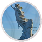Monument To The Immigrants Statue 2 Round Beach Towel