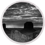 Monument Valley 001 Round Beach Towel