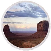 Monument Valley At Sunset Round Beach Towel