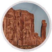 Monument Valley -utah V18 Round Beach Towel