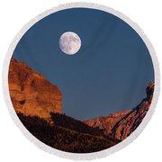 Moon Rise Over Cimarron Mountain Range Round Beach Towel