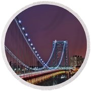Moon Rise Over The George Washington Bridge Round Beach Towel