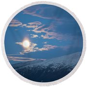 Moon Rise Over The Presidential Range Round Beach Towel