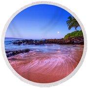 Moonrise Over Maui Round Beach Towel
