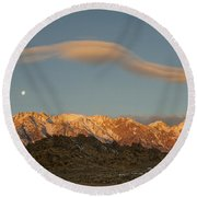 Moonset Over Mt Whitney Img 0637 Round Beach Towel