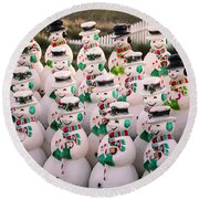 More Snowmen Round Beach Towel