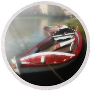 Morning Mist On The Arno River Italy Round Beach Towel