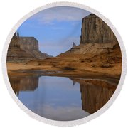 Morning Reflections In Monument Valley Round Beach Towel
