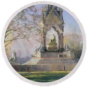 Morning Visitors To The Albert Memorial Oil On Canvas Round Beach Towel