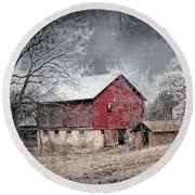 Morris County Red Barn In Snow Round Beach Towel