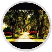 Moss On The Trees At Monks Corner In Charleston Round Beach Towel