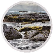 Moss Rocks Hawaii Round Beach Towel