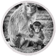 Mother And Baby Monkey Black And White Round Beach Towel