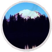 Mount Rainer At Tipsoe Lake In The Sunrise Round Beach Towel