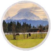 Mount Rainier And Grazing Horses Round Beach Towel