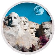 Mount Rushmore In South Dakota Round Beach Towel