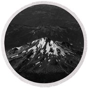 Mt Shasta Black And White Round Beach Towel