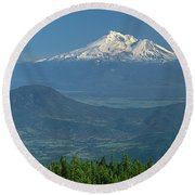 1a5637-mt. Shasta From Oregon Round Beach Towel
