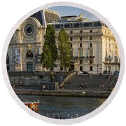 Musee D'orsay Along River Seine Round Beach Towel