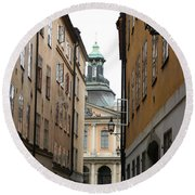 Narrow Road Stockholm Round Beach Towel