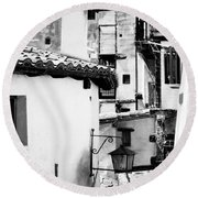 Narrow Streets Of Albarracin  Black And White Round Beach Towel
