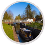 Narrowboat In Lock Round Beach Towel