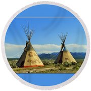 Native American Teepees  Round Beach Towel