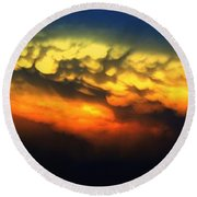 Nebraska Mammatus Sunset Round Beach Towel