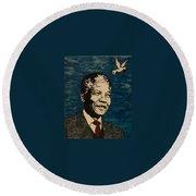 Nelson Mandela Man Of Peace Round Beach Towel