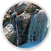 Net Fishing In Bulkley River In Moricetown-british Columbia-canada Round Beach Towel