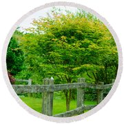 New England Wooden Fence Round Beach Towel