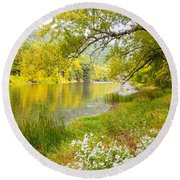 New Englands Early Autumn Round Beach Towel