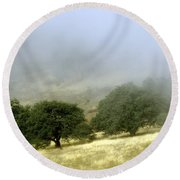 Mist In The Californian Valley Round Beach Towel