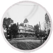 New York Berkley Hotel Round Beach Towel