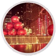 New York City Holiday Decorations Round Beach Towel
