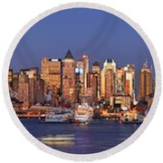 New York City Midtown Manhattan At Dusk Round Beach Towel