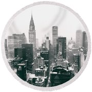 New York City - Snow-covered Skyline Round Beach Towel