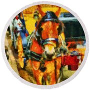 New York Horse And Carriage Round Beach Towel