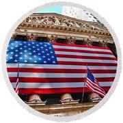 New York Stock Exchange With Us Flag Round Beach Towel