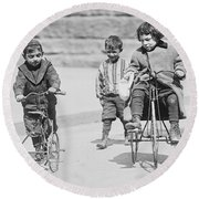 New York Street Kids - 1909 Round Beach Towel