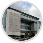 Newseum In Washington Dc Round Beach Towel