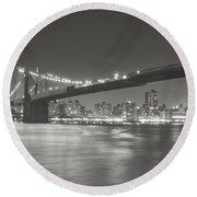 Night - New York City - Brooklyn Bridge Round Beach Towel