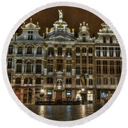 Night Time In Grand Place Round Beach Towel