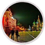 Night View Of Gum And Saint Basil Cathedral In Red Square In Moscow-russia Round Beach Towel