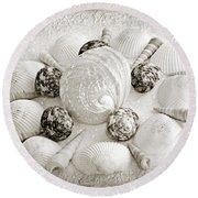 North Carolina Circle Of Sea Shells Bw Round Beach Towel