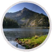 North Face Of Jughandle Mountain Round Beach Towel