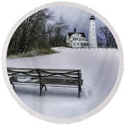 North Point Lighthouse And Bench Round Beach Towel